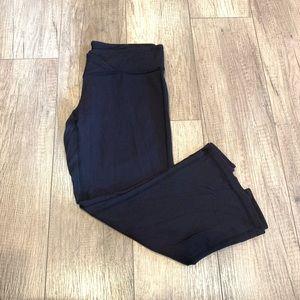 Lucy Capri Yoga Pants